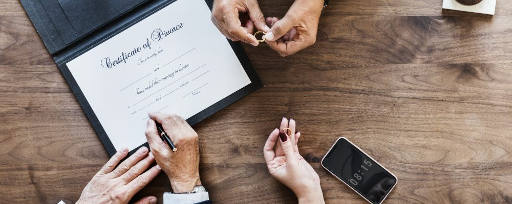 How to choose your divorce process wisely and save money
